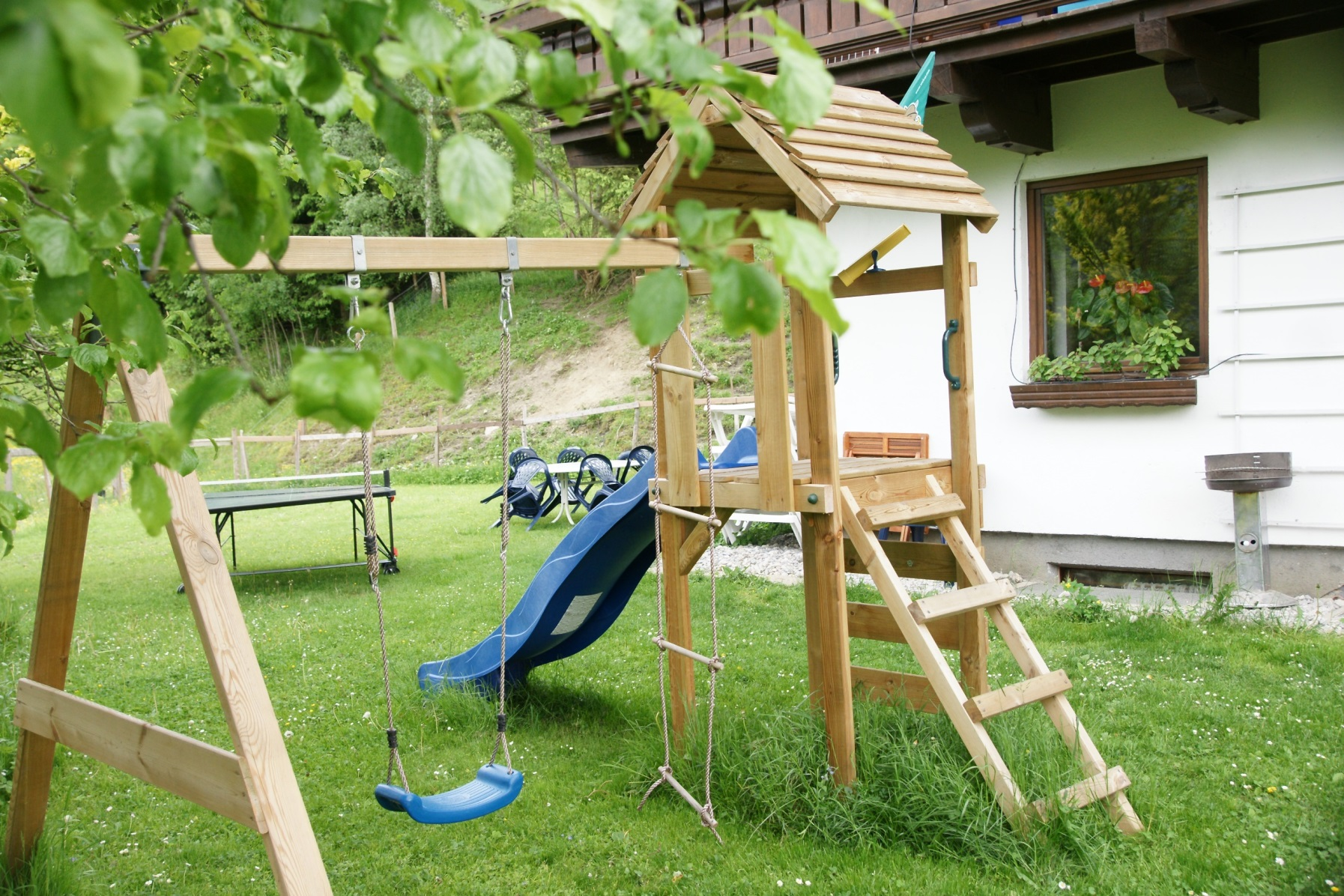 playground play room and garden with sun beds u2022 teglbauernhof